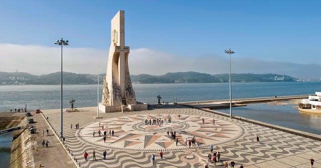 Padrão em Lisboa em um dia ensolarado