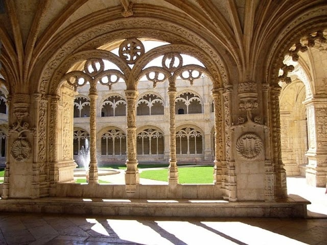 Como chegar ao Mosteiro dos Jerónimos em Lisboa