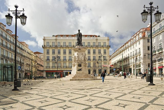 Praça Luís de Camões no Chiado