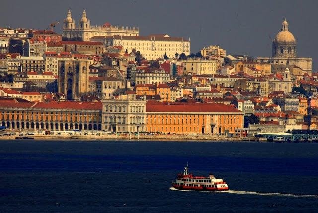 Dicas para dirigir um carro alugado em Lisboa e Portugal