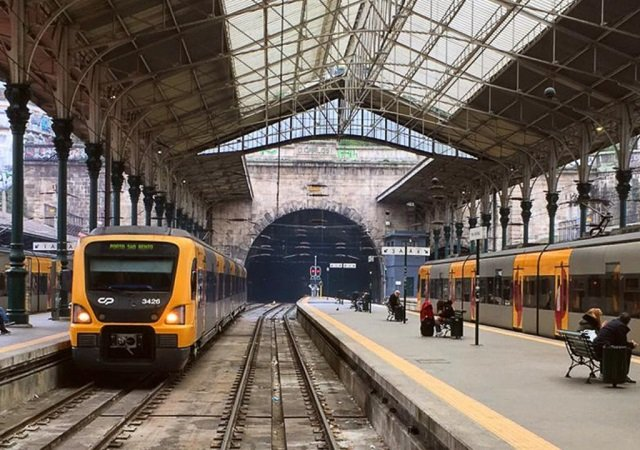 Viagem de trem de Lisboa ao Porto