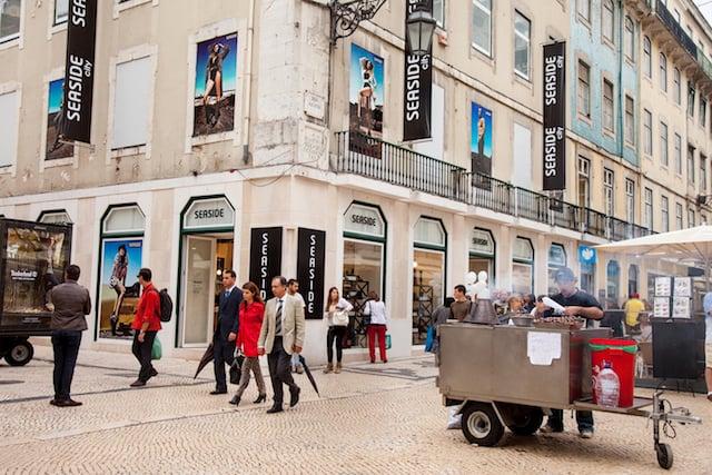 Compras na Rua Augusta em Lisboa