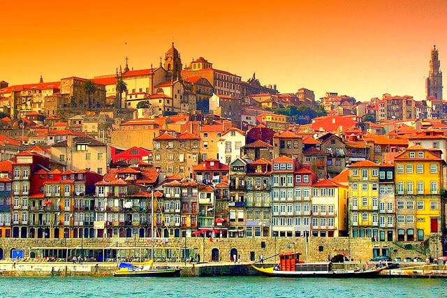 Passeio de barco pelo Rio Douro em Porto