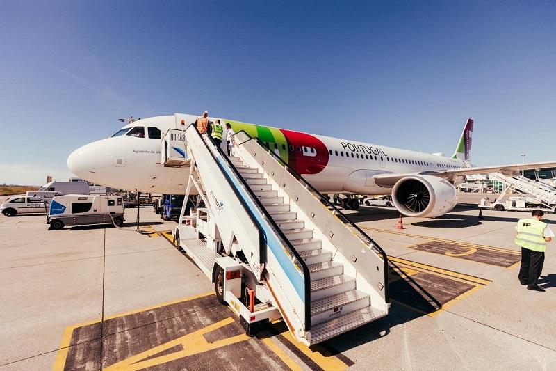 Avião da TAP pronto para embarque