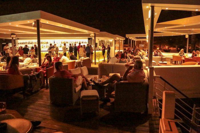 Ambiente no Algarve à noite