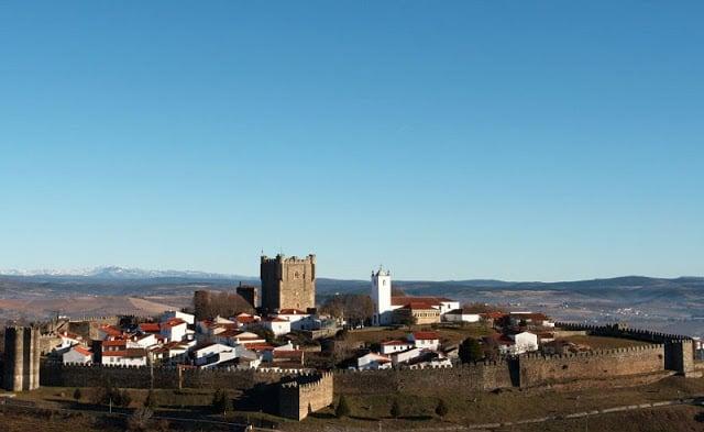 Aluguel de carro em Bragança em Portugal: Economize muito