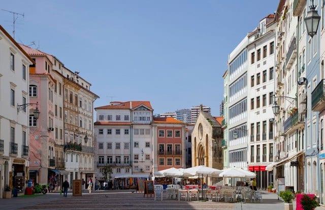 Aluguel de carro em Coimbra em Portugal: Economize muito