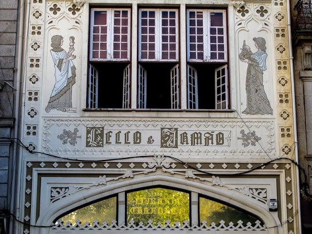 Fachada da Livraria Lello no Porto