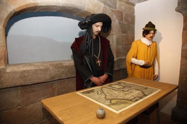 Exposição e figurinos do museu