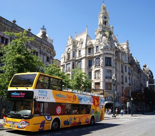 Ônibus da Yellow Bus no Porto