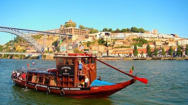 Passeio de barco pelo Porto