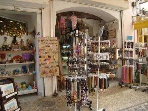Artesanato nas lojas de Rua em Albufeira