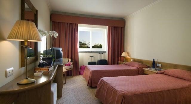 Hotel Cruz Alta em Fátima - quarto
