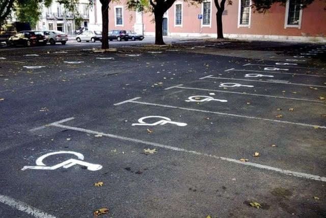 Deficientes físicos no Porto