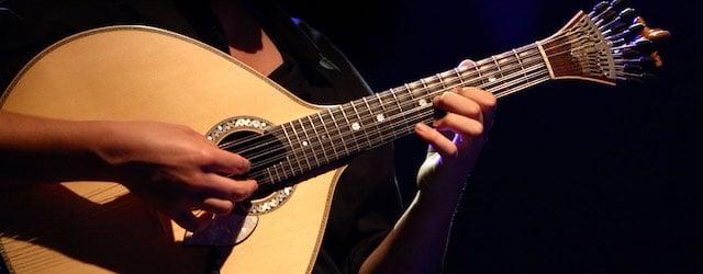 Guitarra portuguesa no Fado