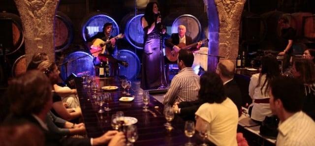 Jantar e noite de Fado no Porto
