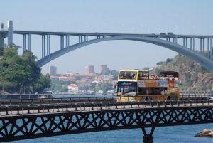 Ônibus Turístico pelo Porto
