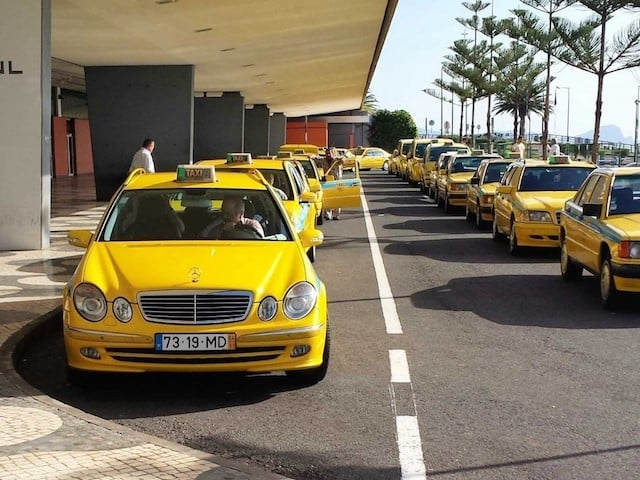 Táxi do aeroporto da Ilha da Madeira até o centro