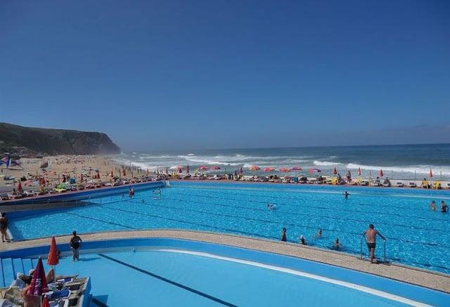 Hotel Arribas em Sintra - piscina e mar