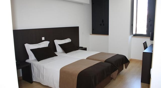 Hotel Vitória em Coimbra - quarto