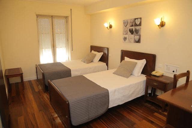 Hotel Residencial Dora em Braga - quarto