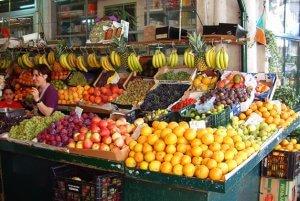 Posto de fruta no Mercado do Bolhão