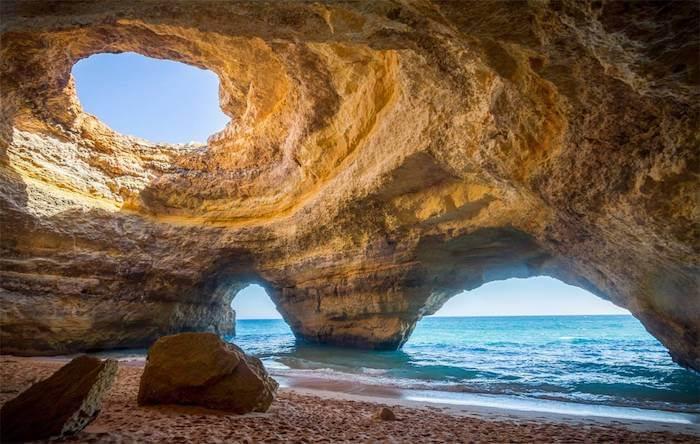 Passeio pelas grutas de Albufeira