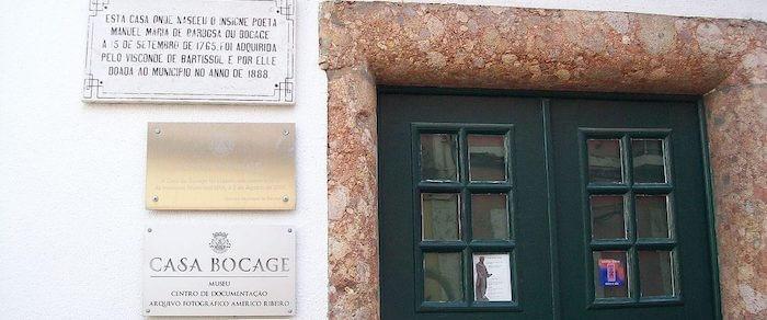 Detalhe da entrada da Casa-Museu Bocage