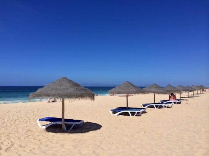Espreguiçadeiras na Praia do Pego em Setúbal