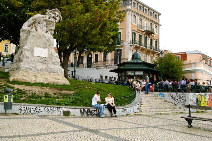Adamastor - Miradouro de Santa Catarina em Lisboa