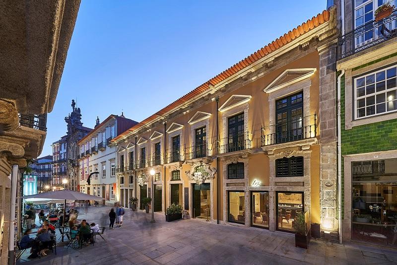 Edifícios na Rua das Flores, Porto