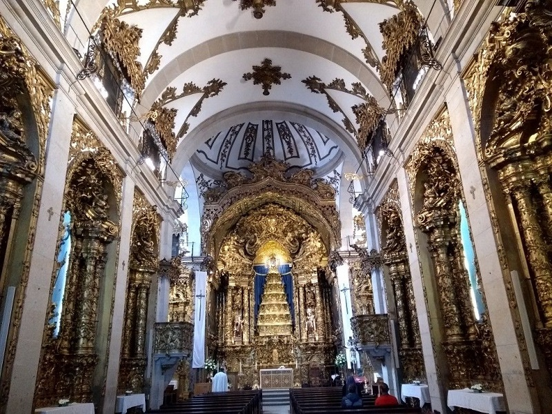 Interior da Igreja das Carmelitas no Porto
