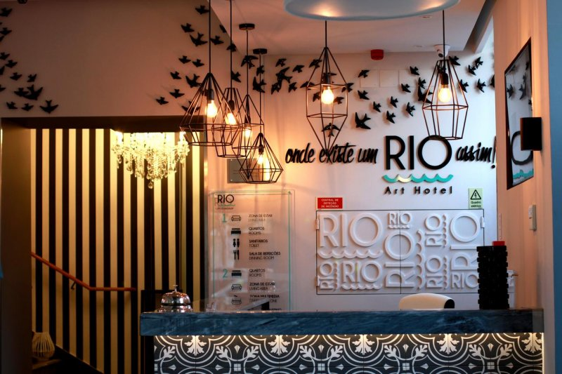 Recepção do Rio Art Hotel em Setúbal