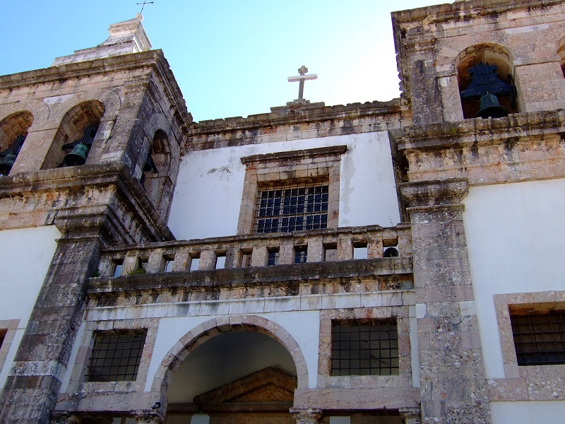 Fachada da Igreja de Santa Maria da Graça em Setúbal