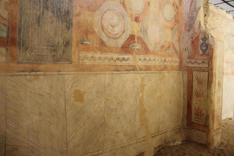 Pintura na basílica das Ruínas Romanas de Tróia