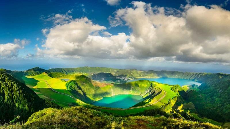 Meses de alta e baixa temporada nos Açores