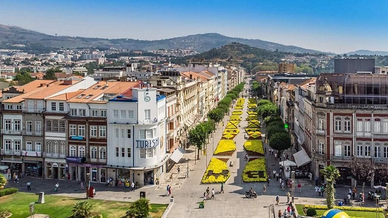 Meses de alta e baixa temporada em Braga
