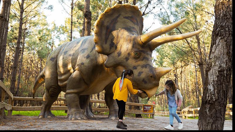 Dinossauro no Dino Parque em Portugal